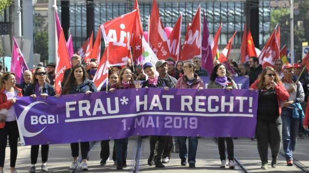 1.-Mai-Demo im Zeichen des Frauenstreiks