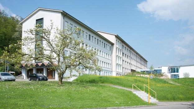 Ansicht des Spitals in Laufen