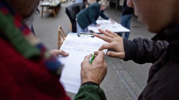 Wer auf welchem Bogen unterschreibt, wird in Basel neu strenger geprüft