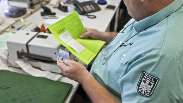 In der Regierungsvorlage heisst es, in Deutschland sei es insbesondere im Grenzgebiet zur Schweiz wegen des Preisgefälles in den vergangenen zehn Jahren zu steigenden Abfertigungszahlen gekommen.
