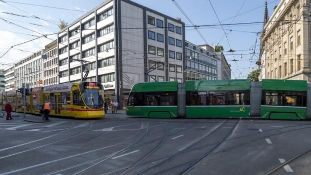 Bei den BLT setzt man für die Kühlung der Trams auch auf Doppelverglasung, bei den BVB ist dies nicht so.