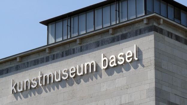 Schriftzug Kunstmuseum am Gebäude