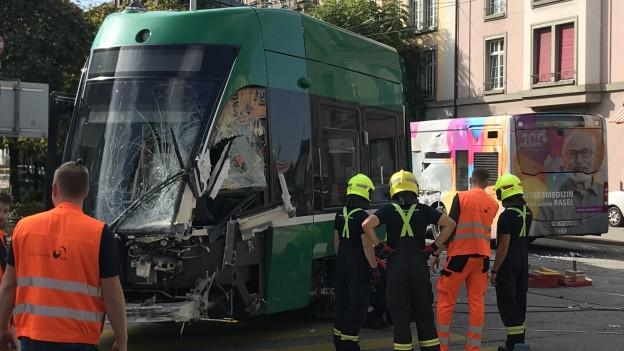 Tram und Bus stiessen auf der Kreuzung Dornacher-/Margarethenstrasse zusammen
