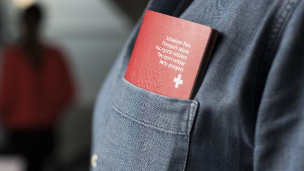 Der Weg zum Schweizer Pass soll für ausländische Jugendliche einfacher werden.