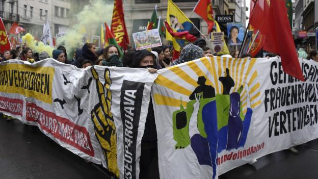 An der Demonstration im Dezember nahmen ähnliche Menschen teil wie hier im November.