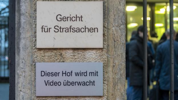 Vor dem Basler Strafgericht hat vor ein paar Tag bereits ein Prozess gegen Fussballfans begonnen