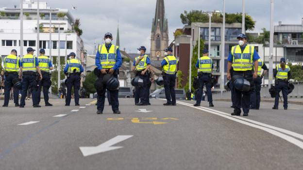 Der Polizeieinsatz an der Frauendemo Mitte Juni sorgte für Kritik