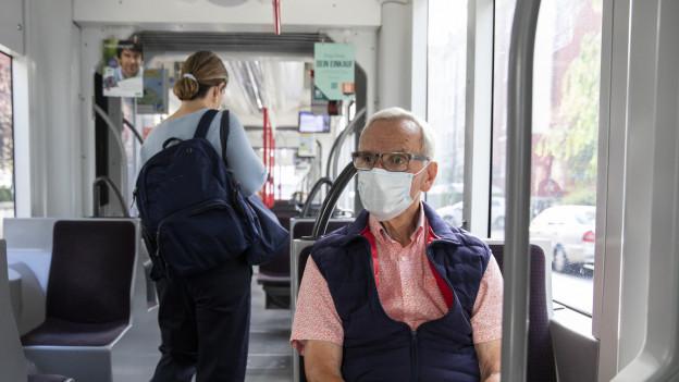 Seit zwei Wochen gilt in der Schweiz eine Maskenpflicht im öffentlichen Verkehr.