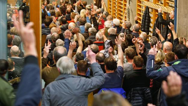 Auch an Gemeindeversammlungen muss die Abstandsregel eingehalten werden