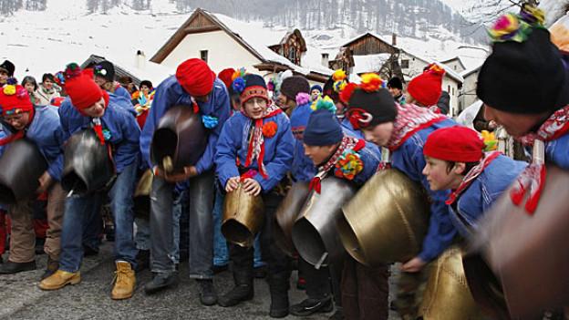 Eine lebendige Tradition: Chalandamarz im Engadin.