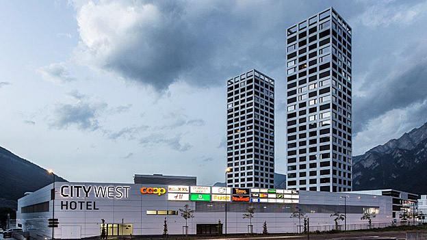 Die beiden Türme des City-West dominieren das Quartierbild.