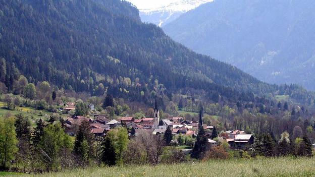 Das Dorf Almens