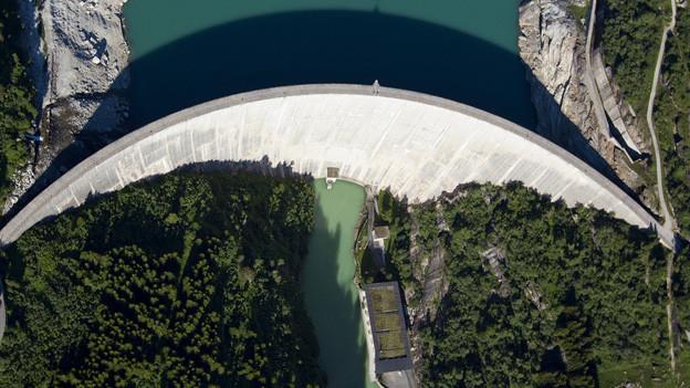 Der Zevreila-Staudamm