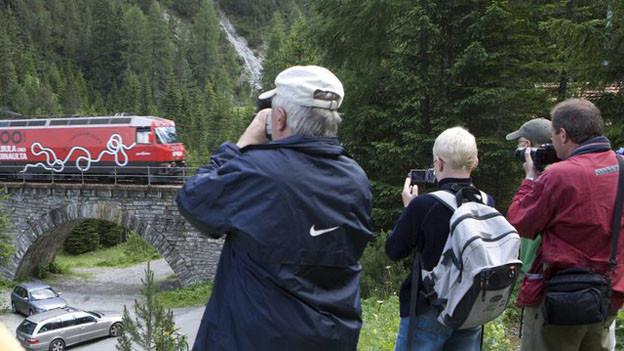 In Graubünden steht eine Internet-Plattform für Touristen zur Diskussion.