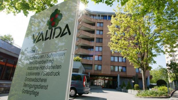 Die Valida in St. Gallen erhöhte die Preise ihrer Mittagsmenüs in der Kantine um zwei Franken.