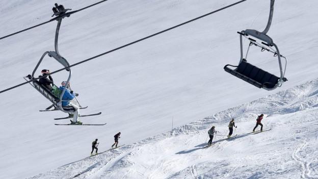 Vier Umweltverbände wehren sich gegen grössere Skigebiete in Samnaun und Scuol.