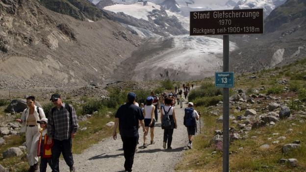 Wanderer, aufgenommen 2003 am Morteratschgletscher