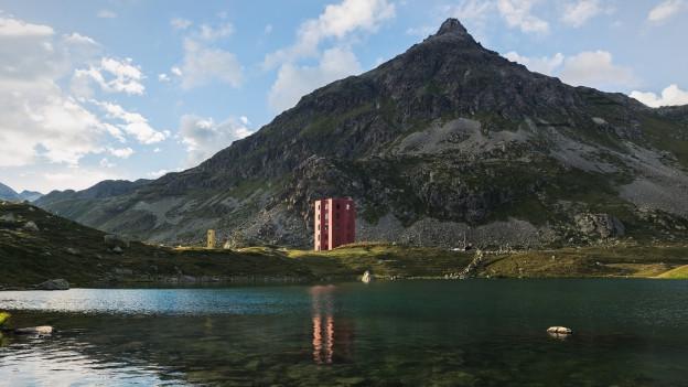 Der Turm auf dem Julierpass.