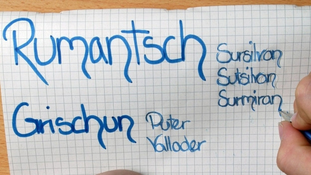 Die letzten Gemeinden wollen Rumantsch Grischun als Unterrichtssprache abschaffen.
