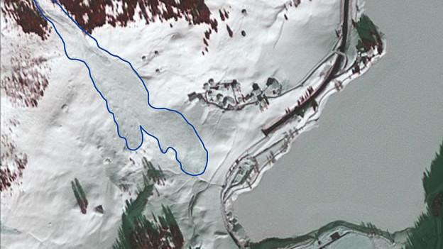 Satellitenbild mit eingezeichneter Lawine