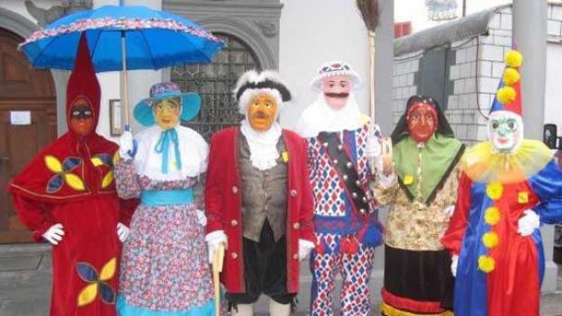 Die sechs Originalfiguren der Schwyzer Fasnacht.