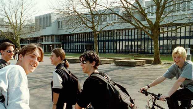 Haben gut lachen: Der Übertritt von der 3. Sek ins Gymnasium ist weiterhin möglich.