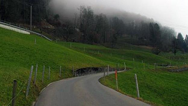 Wird auf unbestimmte Zeit gesperrt: die Strasse nach Wiesenberg.