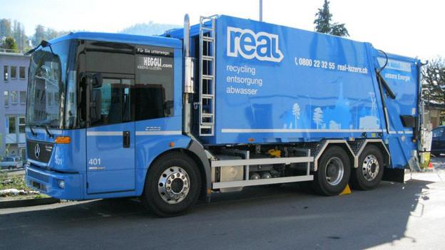 Für die Abfallentsorgung hat REAL 14 neue Fahrzeuge angeschafft.