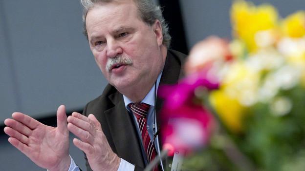 Konzernchef Reinhard Lange tritt zurück.