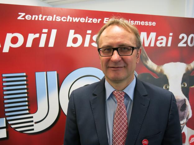 André Nietlisbach präsentiert Bern an der Luga.