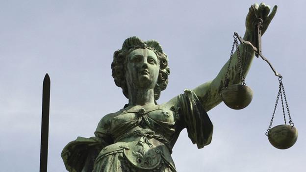 Die Verhandlung findet vor dem Strafgericht Schwyz statt.