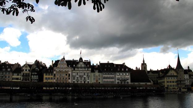 Dunkle Wolken über dem Luzerner Himmel: Die Finanzlage ist schlecht.