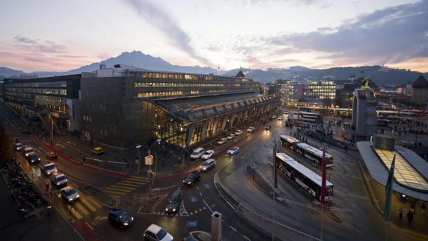 Einer der Brennpunkte in der Stadt Luzern ist der Bahnhofplatz.