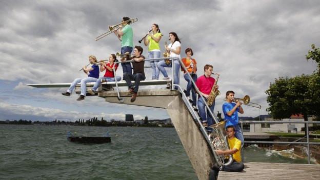 5000 Jugendliche musizieren in Zug.