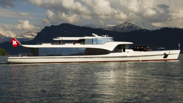 Die Yacht Saphir darf auch in Zukunft beim Schweizerhof halten.