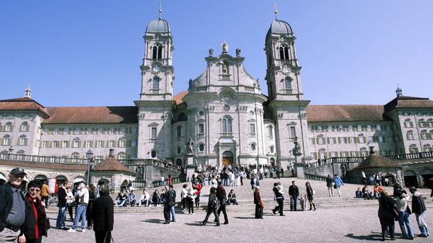 Die Sanierung des Klosterplatzes Einsiedeln kostet gegen 12 Millionen Franken