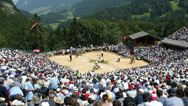 So wie die alte Schwinger-Arena (im Bild) wird auch der neue Festplatz auf dem Brünig ausgebucht sein