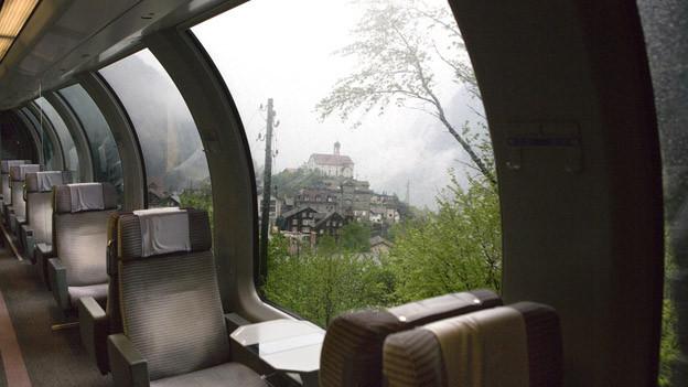 Die SBB-Züge fahren auch mit der Neat an der Kirche von Wassen vorbei