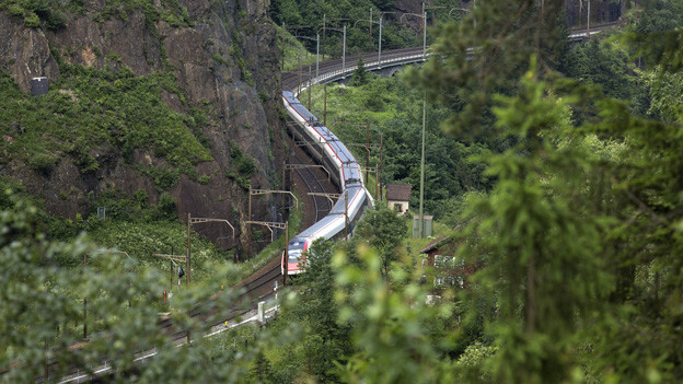 SBB-Gotthard-Bergstrecke bei Amsteg