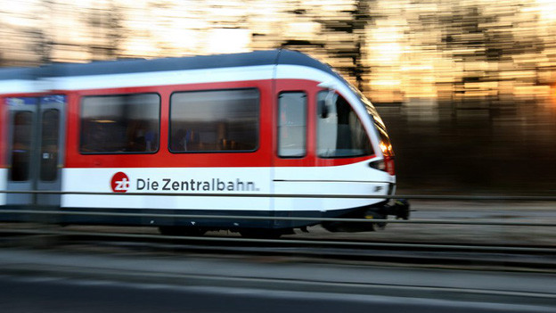 Die Zentralbahnstrecke Luzern-Hergiswil bleibt bis Sonntagmorgen unterbrochen.