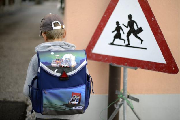 Ab Montag sind wieder Schulkinder auf den Strassen unterwegs.