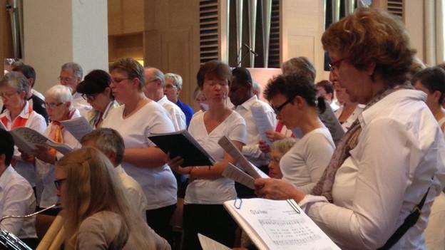 Die Aphasiechöre der Schweiz singen gemeinsam in Luzern.