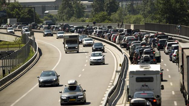 Die Urner Regierung befürchtet mit einer zweiten Gotthardröhre mehr Verkehr.