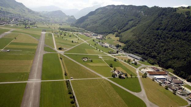 Die Nidwaldner Regierung und der Schutzverband streiten um den Flugplatz Buochs.