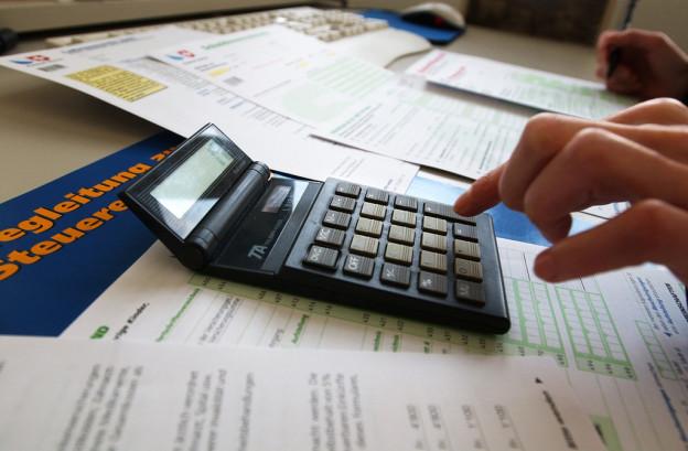Luzernerinnen und Luzerner sollen mehr Steuern zahlen.