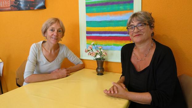 Traversa-Geschäftsführerin Marta Bühler (rechts) und Mitarbeiterin Dora Frank im Tageszentrum.
