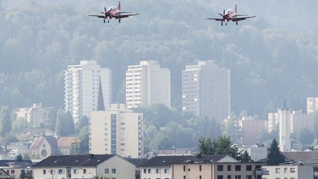 Der Militärflugplatz Emmen öffnet seine Türen.
