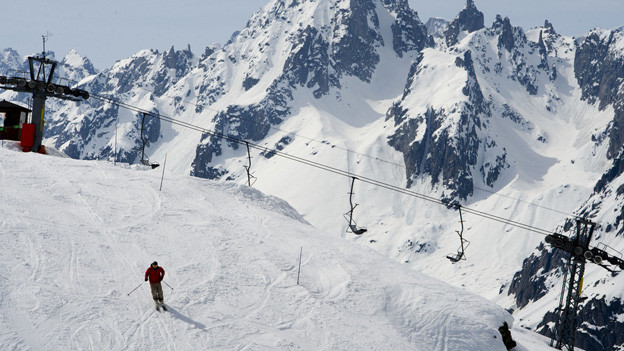 Neu- und Ersatzbauten der Skiarena Andermatt-Sedrun werden erst ab 2014 realisiert.