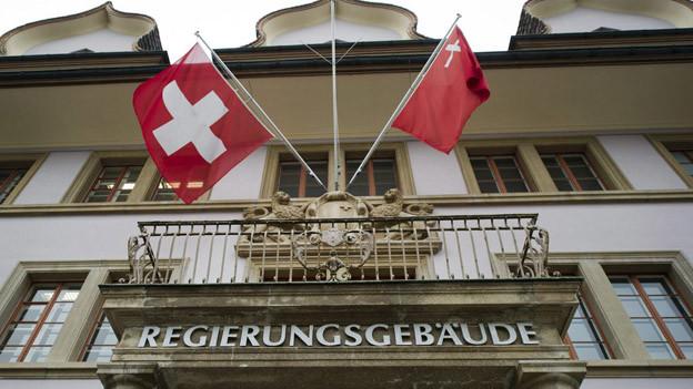 Die Sparvorschläge aus dem Schwyzer Regierungsgebäude kommen beim Personal nicht gut an.