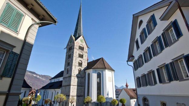 Die Kirchensteuer (im Bild die Kirche in Stans) soll in Nidwalden nicht abgeschafft werden.